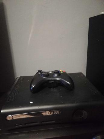 Sprzedam Xbox 360+1 pad