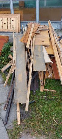 Drewno rozbiórkowe.