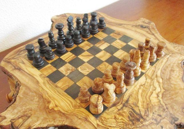 Jogo Xadrez em Madeira de Oliveira - Vintage