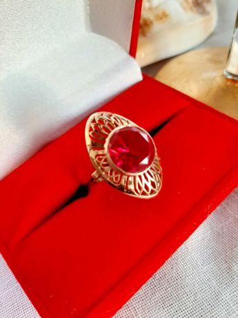 Okazja!Stary, złoty, katalogowany pierścionek Warmet z rubinem 583 PRL