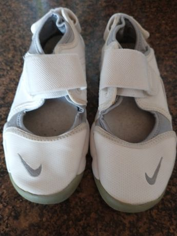 Buty Nike r.29.5 i 25