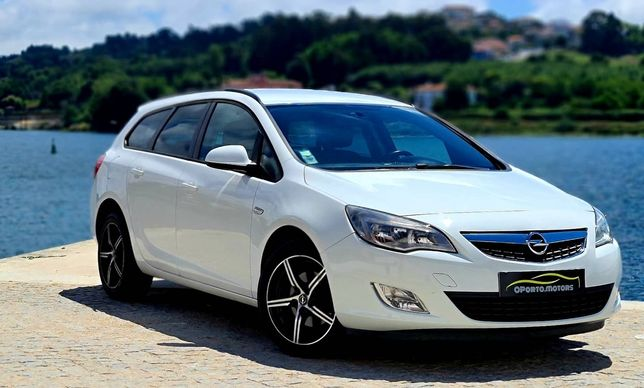 Opel Astra J Sports Tourer 1.7CDTI & Navegação