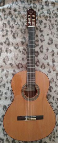 Продам классическую Гитару Paco Castillo 202
