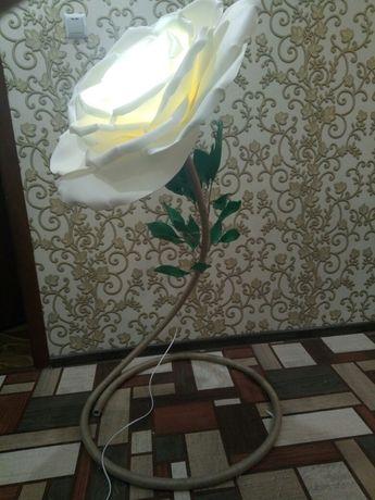 торшер_роза,светильник