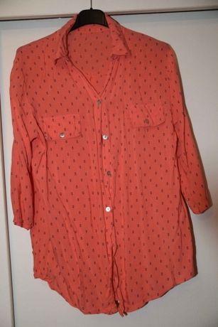 Malinowa koszula w kotwice