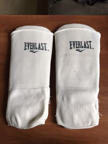 Щитки для ног