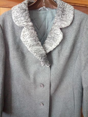 Пальто жіноче демісезонне