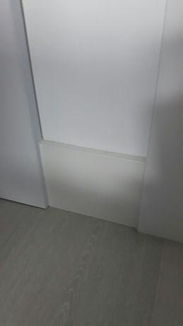 Listwy przypodłogowe 120x12x244 białe wodoodporne nowe. Cena 1 metra.