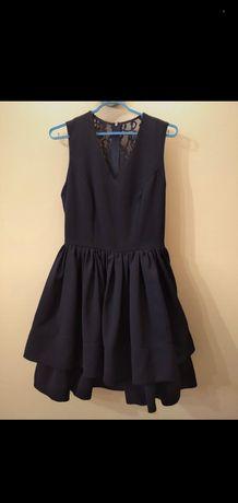 Sukienka z falbankami na półmetek/ studniówkę XS