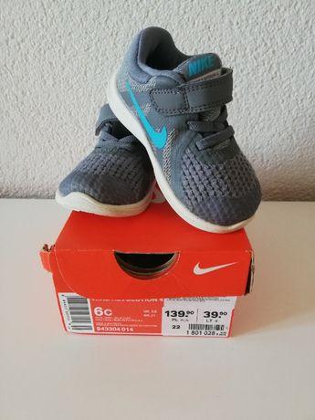 Nike Revolution 4 dziecięce, super stan, r. 22