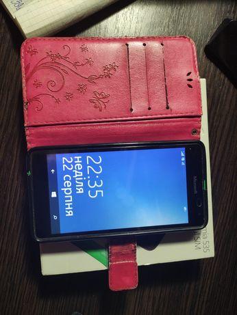 Телефон microsoft lumia 535 з чохлом книжкою червоним