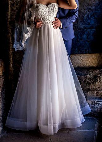 Suknia ślubna ze zdobionym gorsetem 36-40
