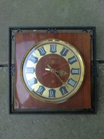 Часы настенные Янтарь времён СССР
