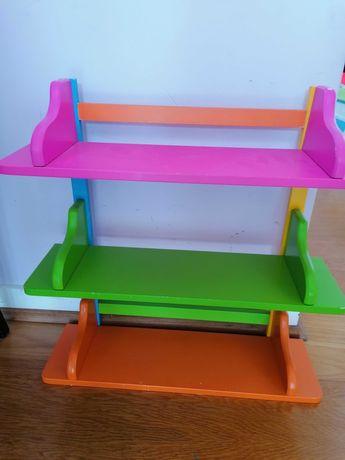 Móvel prateleiras coloridas para quarto de criança