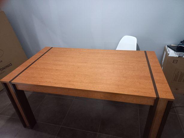 Mesa extensível de sala