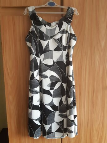 Sukienka na  grubych ramiączkach 38