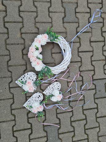 Różowy wianek na drzwi + 3 serca