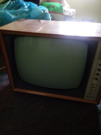 Telewizor zabytkowy