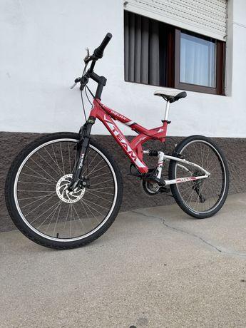 Bicicleta com amortecedor e travão de disco