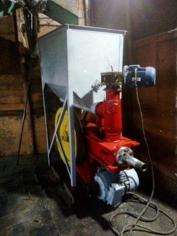 Пресс для производства топливных брикетов Ф50 мм. NESTRO
