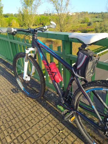 Bicicleta BTT roda 27,5 c/travões hidráulicos