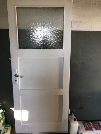 Oddam za darmo Białe drewniane drzwi wewnętrzne 200cm x 83cm Prawe