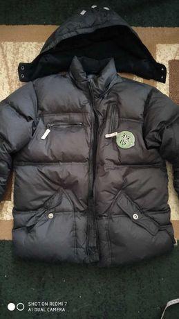 черный  пуховик зимняя куртка мальчик  р. 146 см
