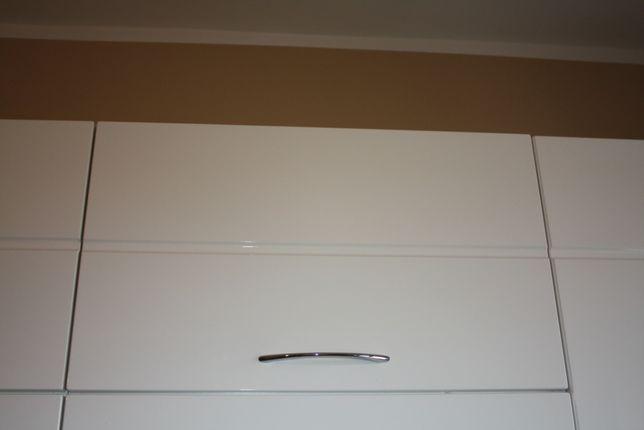 Szafka kuchenna biała pod okap