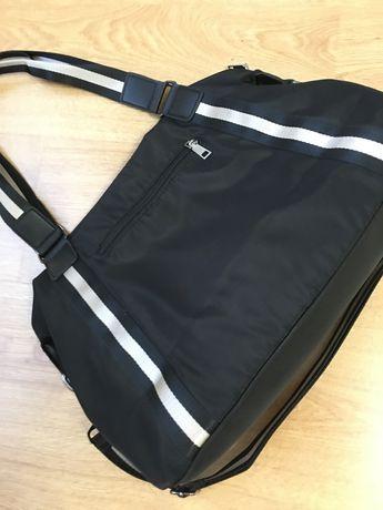 Сумка  , удобная на два отделения , карман наружный и два кармана внут