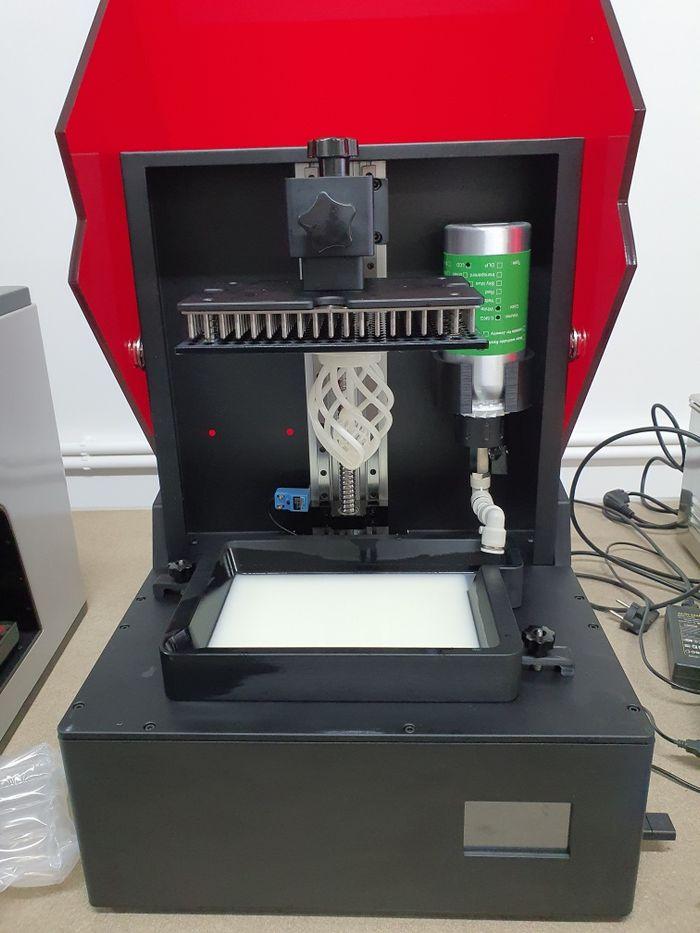 Impressora 3D de Resina 190x120x250mm Nogueira, Fraião E Lamaçães - imagem 1