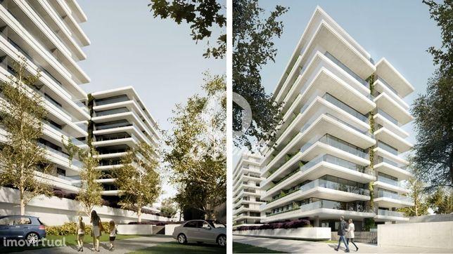 """Apartamento T2 Em Condomínio Fechado - """"Living Prados"""""""