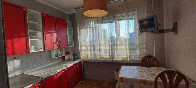 Продам квартиру 3-к  102м.кв.  Глушкова 23  Метро 1 минута