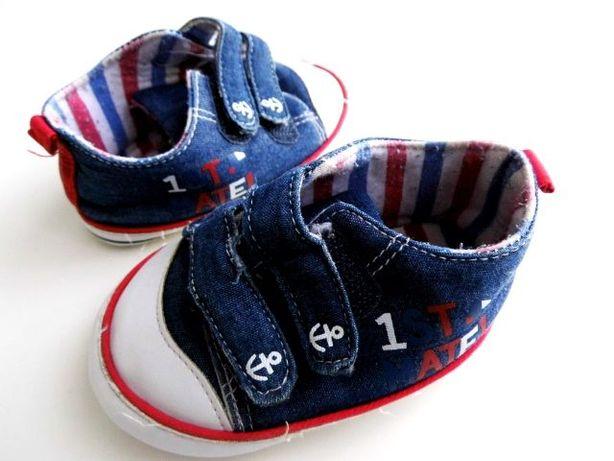 Bucik niechodki i trampki niemowlęce, 11 cm