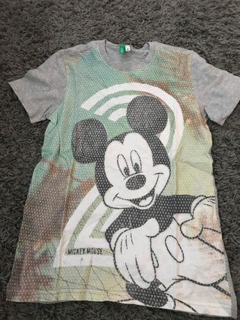 Tshirt Mickey disney BENETTON tamanho 4/5 anos