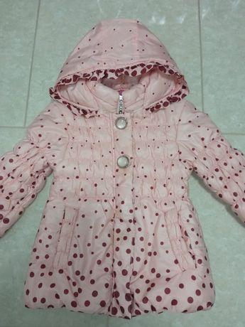Демісизонна курточка для дівчинки.