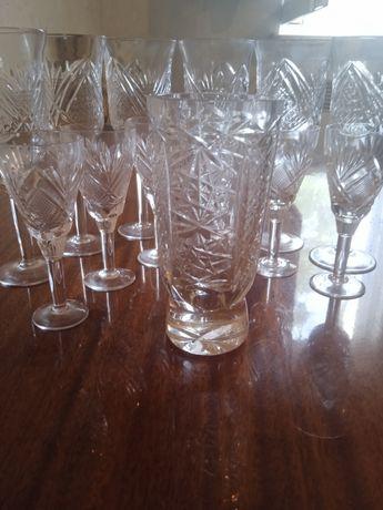 Продам хрустальный набор рюмки и бокалы