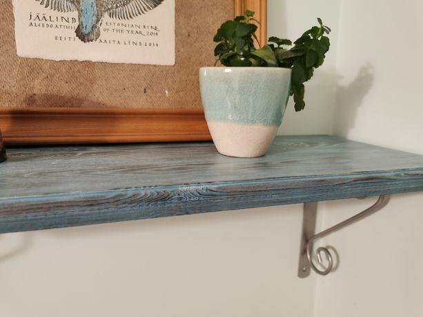 Półka drewniana na wspornikach do pokoju, kuchni