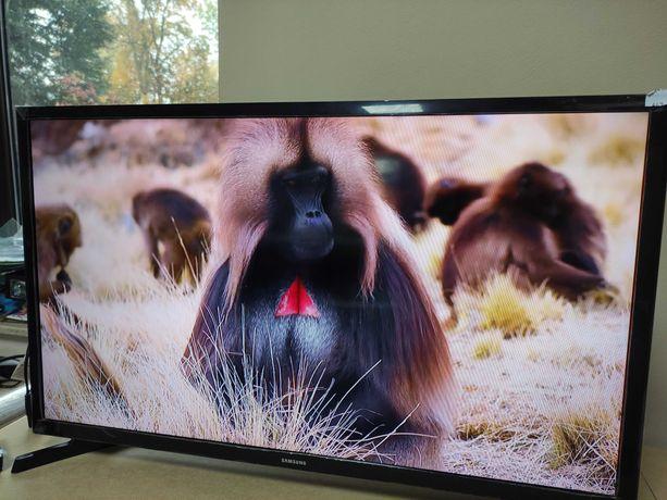 Telewizor LED 32 cale Samsung UE32J4000AW HDMI 100Hz