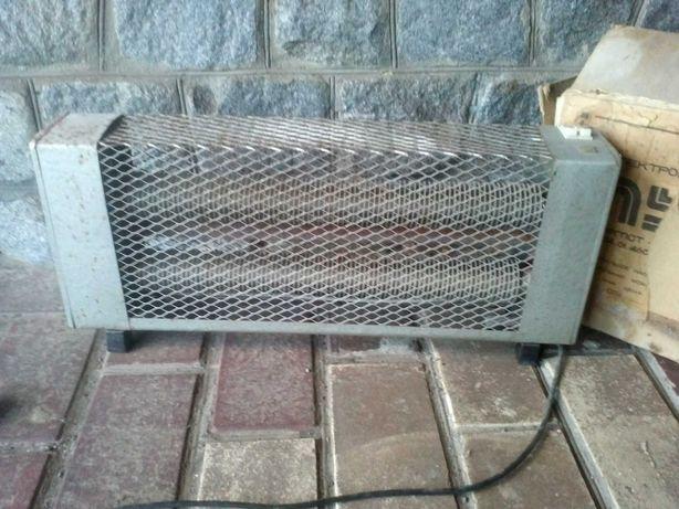 Продам электрорадиатор /электрокамин Луч ЭРГПСТ - 1,0/220