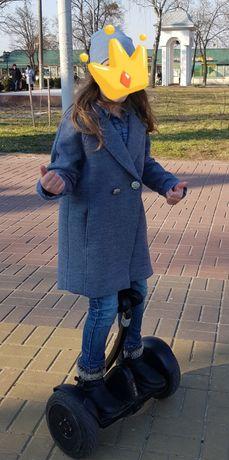 Пальто для девочки 146 см.