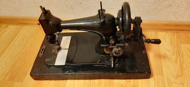 Швейна машинка антикваріат