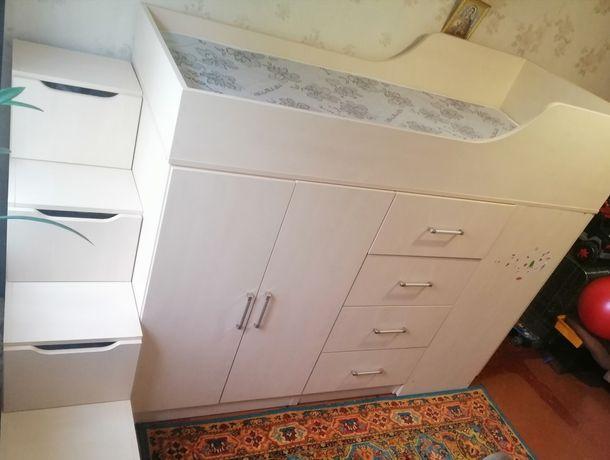 Кровать чердак комод  шкаф