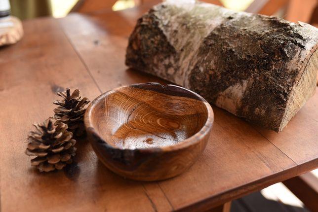 misa miska dąb dębowa drewniana oryginalna na stół miseczka żywiczna