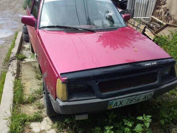 Машина Таврия 1140