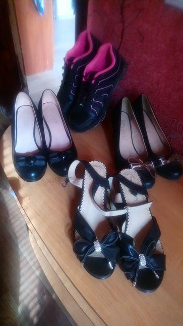Туфли,босоножки,кроссовки