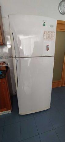 Frigorifico com Congelador no Frost SAMSUNG