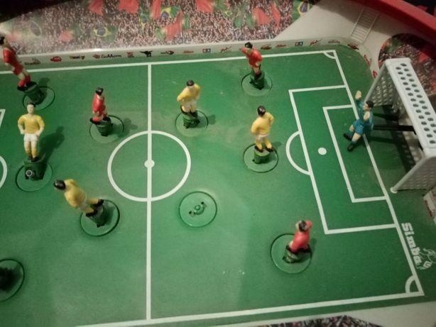 Jogo de futebol antigo