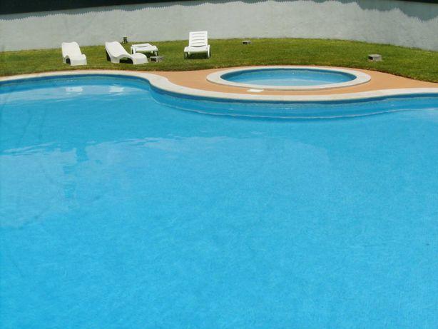 To ao ano em Vilamoura com jardim, piscina e churrasco
