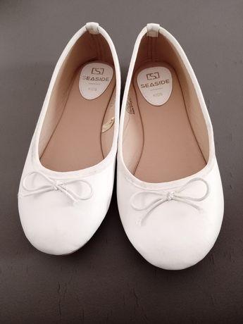 Sandália branca para menina
