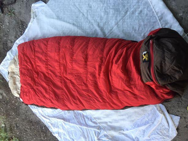 Продаю спальный мешок F